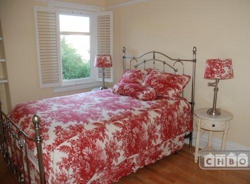 Queen bedroom on 2nd floor.