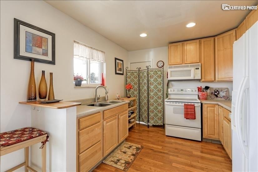 image 9 furnished 2 bedroom Apartment for rent in Park Hill, Denver East