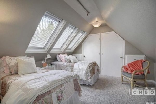 Bedroom Crow's Nest