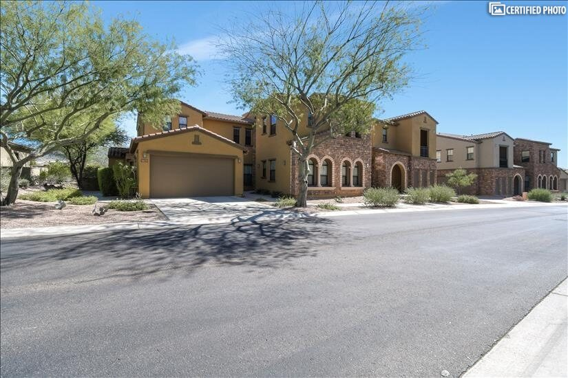 image 2 furnished 3 bedroom Townhouse for rent in Scottsdale Area, Phoenix Area