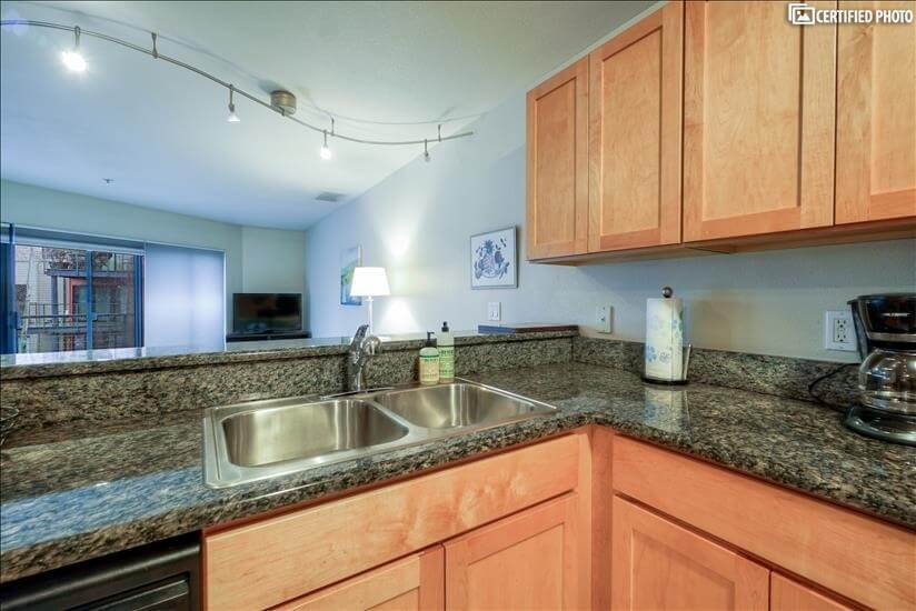 image 6 furnished 2 bedroom Townhouse for rent in Portland Downtown, Portland Area
