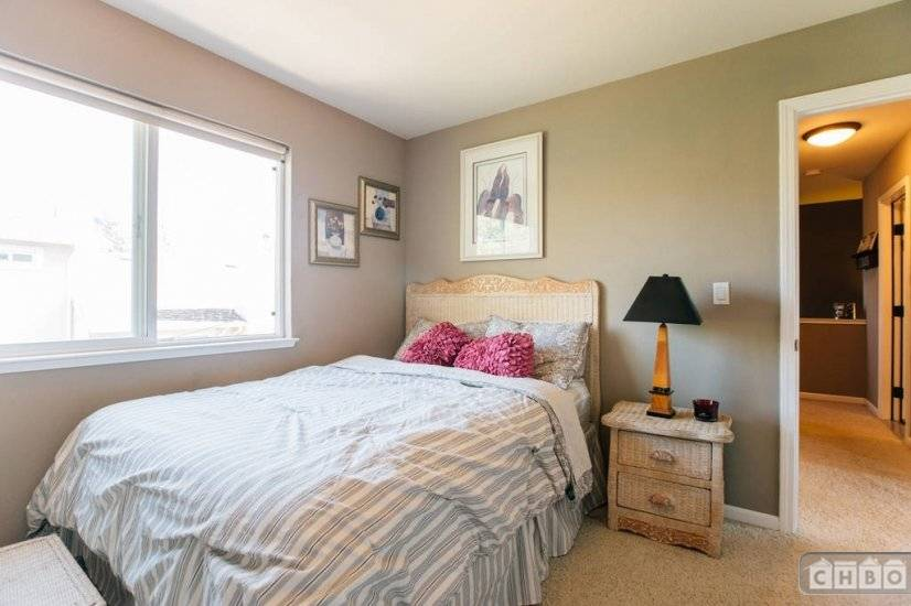 image 9 furnished 4 bedroom House for rent in Benicia, Solano County