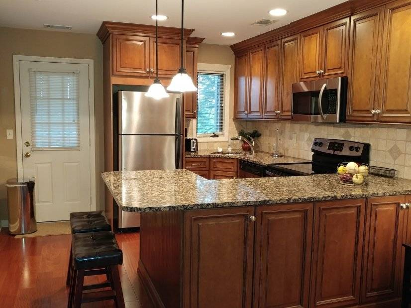 image 2 furnished 1 bedroom Townhouse for rent in Annandale, Hunterdon County