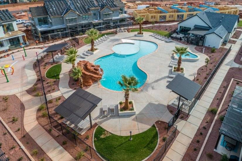 Pool, water slide, splash pad and clubhouse amenities