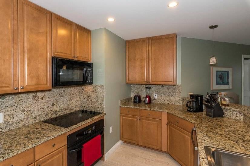 image 9 furnished 3 bedroom Townhouse for rent in Lincoln Park, Denver Central