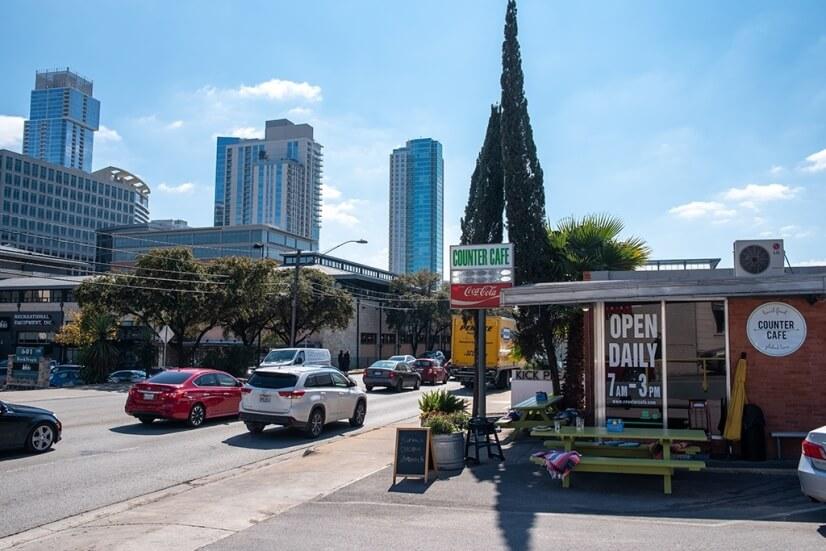 Walking Distance to Downtown Austin