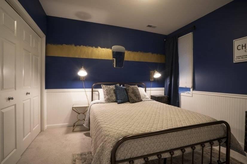 Guest bedroom - Large double-wide closet - Unit 2