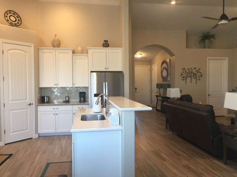 Fully outfitted kitchen and large pantry