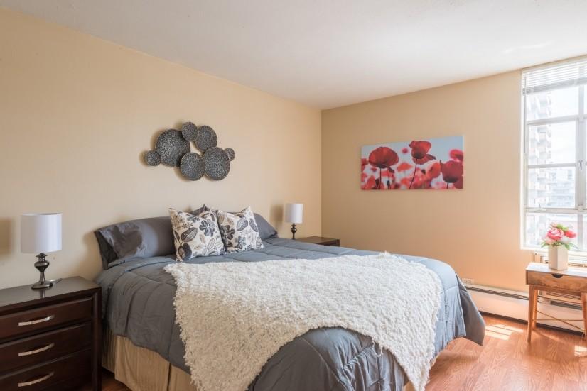 image 2 furnished 2 bedroom Apartment for rent in Lincoln Park, Denver Central