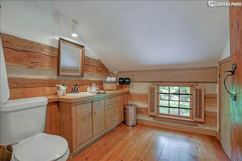 Full Shared bathroom upstairs