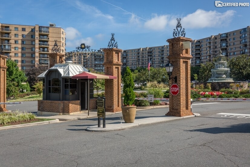 McLean/Tysons Corner 8th Floor Condo