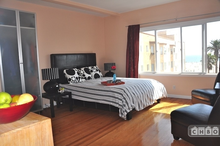 image 10 furnished Studio bedroom Apartment for rent in Santa Monica, West Los Angeles
