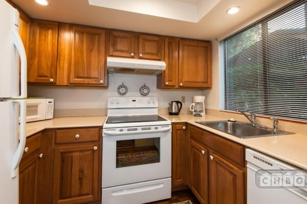 image 3 furnished 2 bedroom Townhouse for rent in Bellevue, Seattle Area