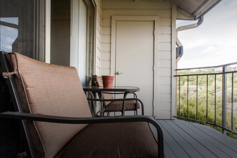 Sit a Spell and Admire those Hill Country Vie