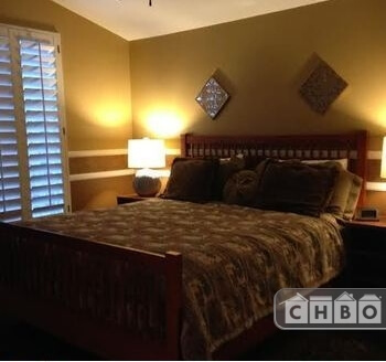 Master suite Cal king bed