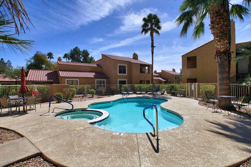 Outdoor pool/hot tub