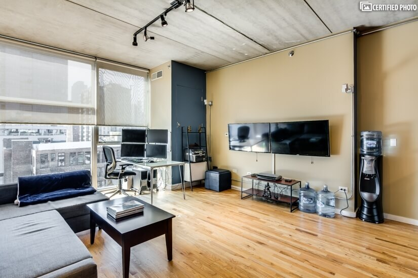 image 6 furnished 1 bedroom Townhouse for rent in Near North, Downtown
