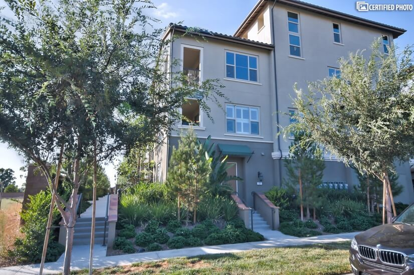 image 2 furnished 2 bedroom House for rent in Irvine, Orange County