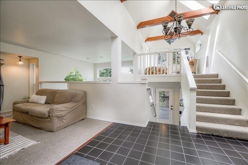 image 3 furnished 5 bedroom House for rent in West Linn, Portland Area
