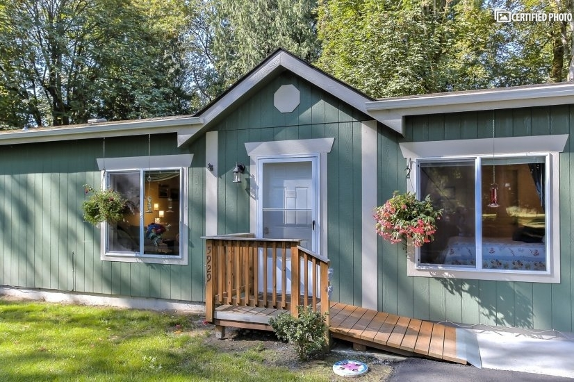 image 2 furnished 3 bedroom House for rent in Other Snohomish Cty, Seattle Area