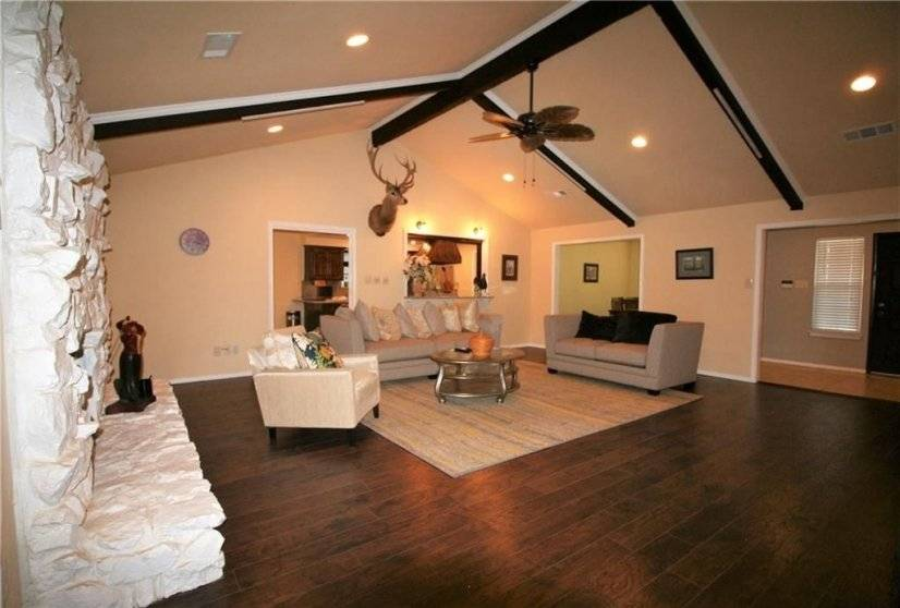 image 2 furnished 4 bedroom House for rent in Meadowbrook, Fort Worth