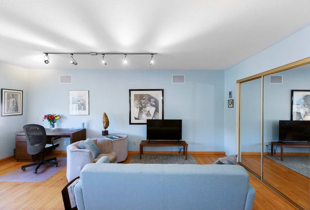 image 4 Furnished room to rent in Noe Valley, San Francisco 2 bedroom House