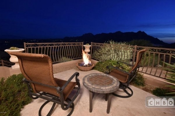 Balcony with fire pit