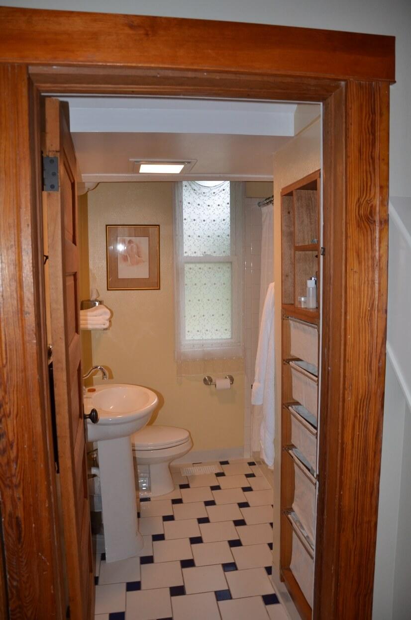 image 13 furnished 3 bedroom House for rent in Highland, Denver Northwest