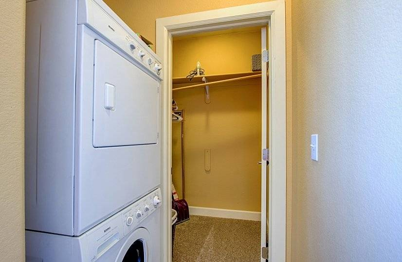 Washer and Dryer and walk-n-closet