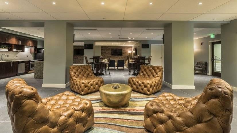 Truman Lounge