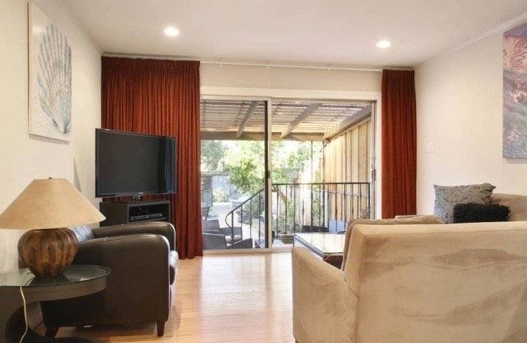 image 2 furnished 1 bedroom Townhouse for rent in San Mateo, San Mateo (Peninsula)