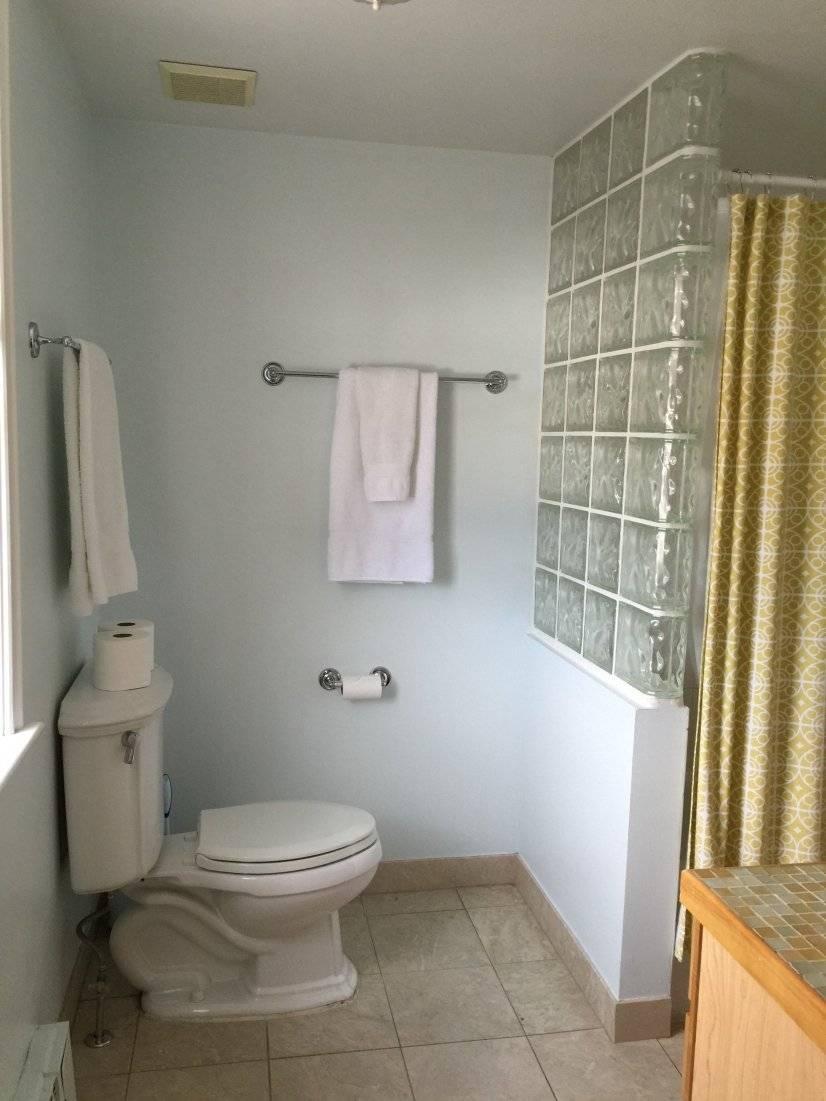 image 8 furnished 3 bedroom Townhouse for rent in Baker, Denver Central