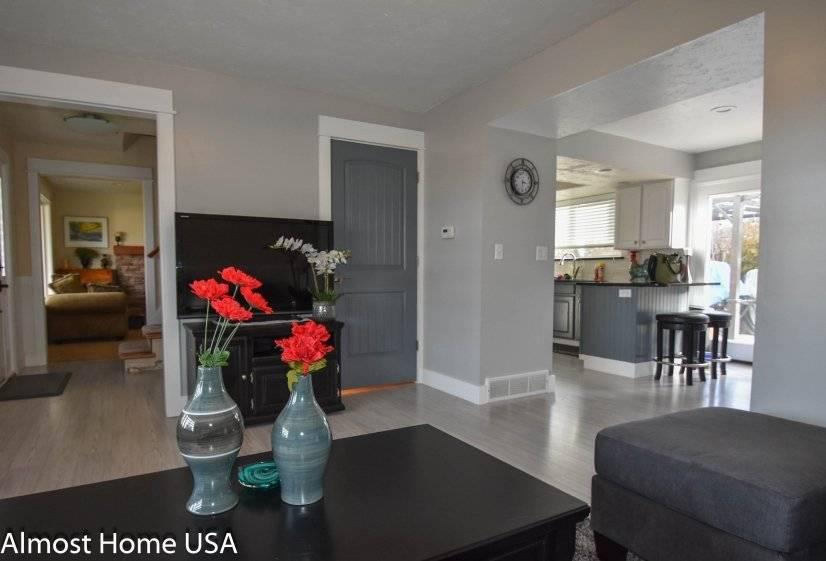 image 2 furnished 3 bedroom House for rent in West Jordan, Salt Lake County