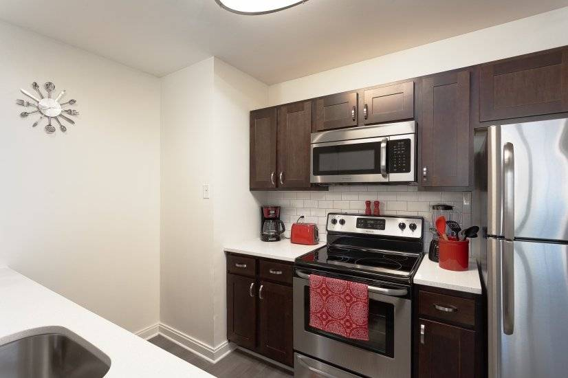image 2 furnished 1 bedroom Apartment for rent in Koreatown, Metro Los Angeles