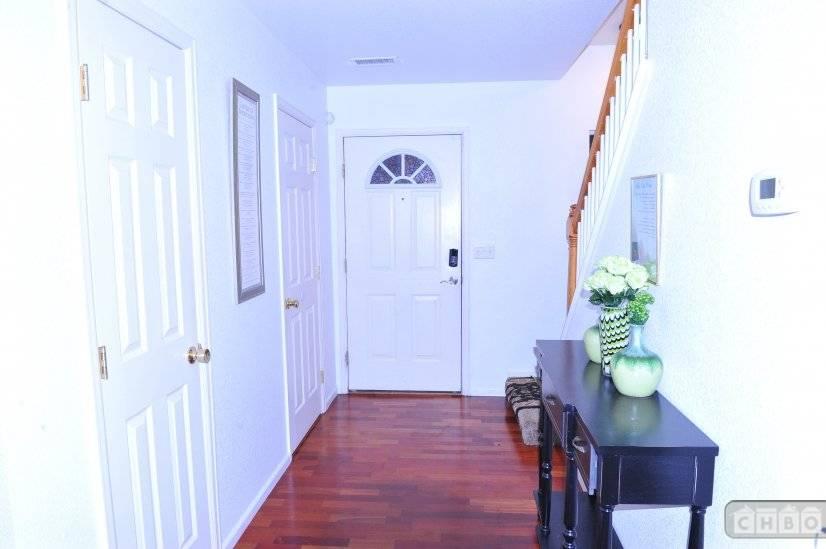 image 4 furnished 3 bedroom House for rent in Gateway, Denver Northeast