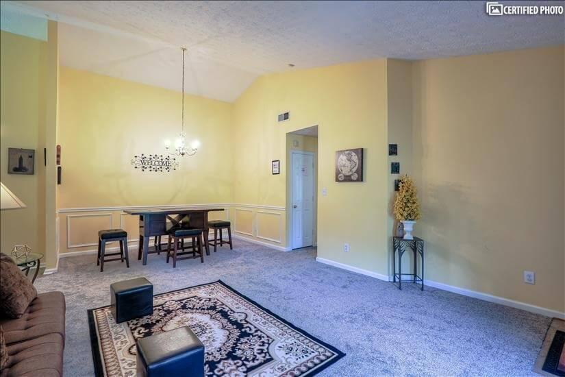 Living Room/Dining Room B