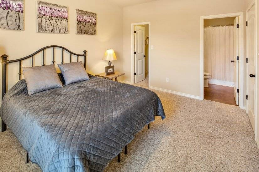 image 9 furnished 4 bedroom Townhouse for rent in College Station, North Central TX