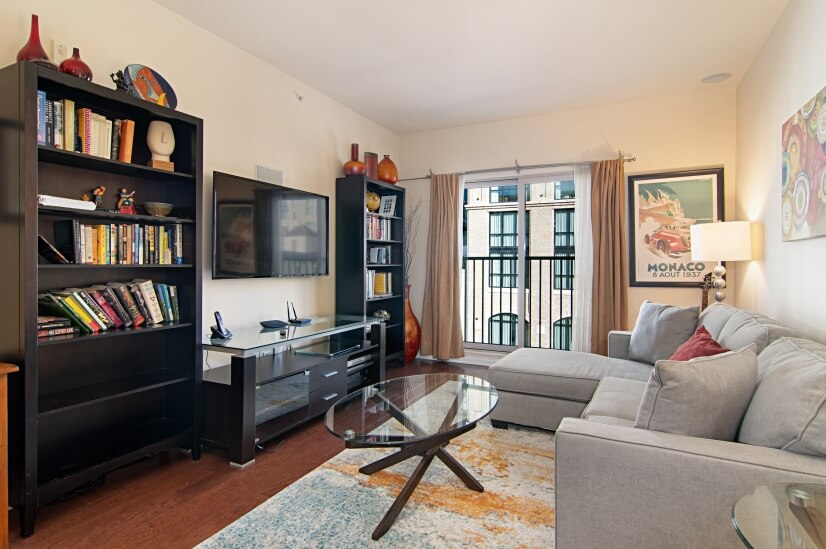 1 bedroom Park West