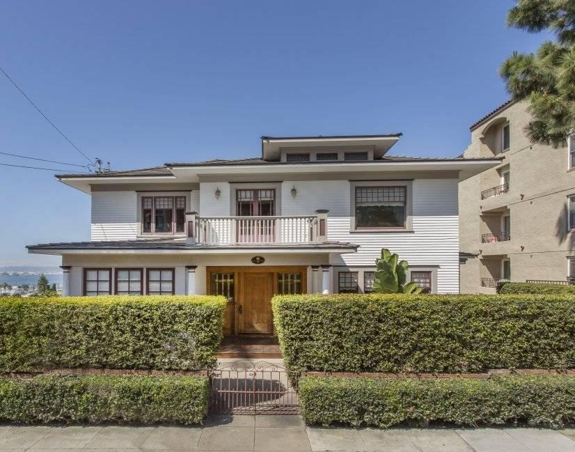 image 1 furnished 5 bedroom House for rent in Park West, Central San Diego