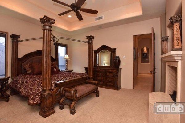 Guest bedroom furnishings
