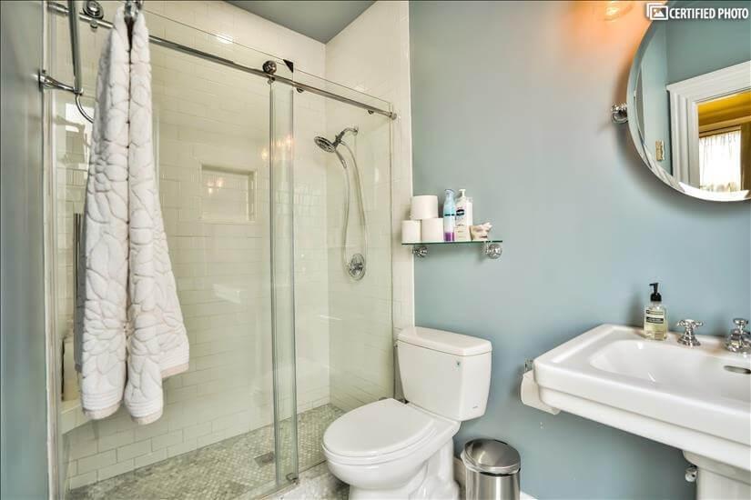 En Suite bathroom connected to queen bedroom