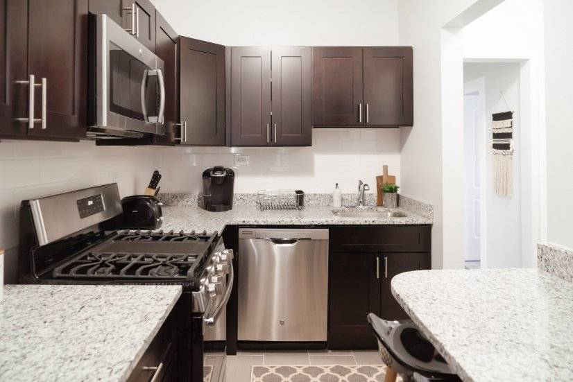 image 10 furnished 2 bedroom Townhouse for rent in Edgewater, North Side
