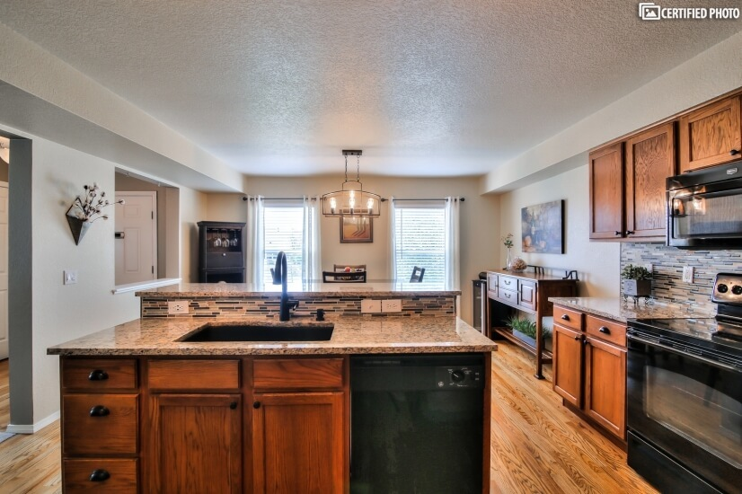 image 9 furnished 3 bedroom House for rent in Falcon Estates, Colorado Springs