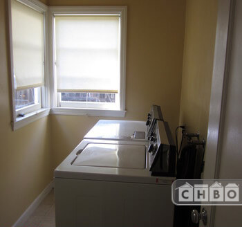 image 16 furnished 2 bedroom Townhouse for rent in Burlingame, San Mateo (Peninsula)