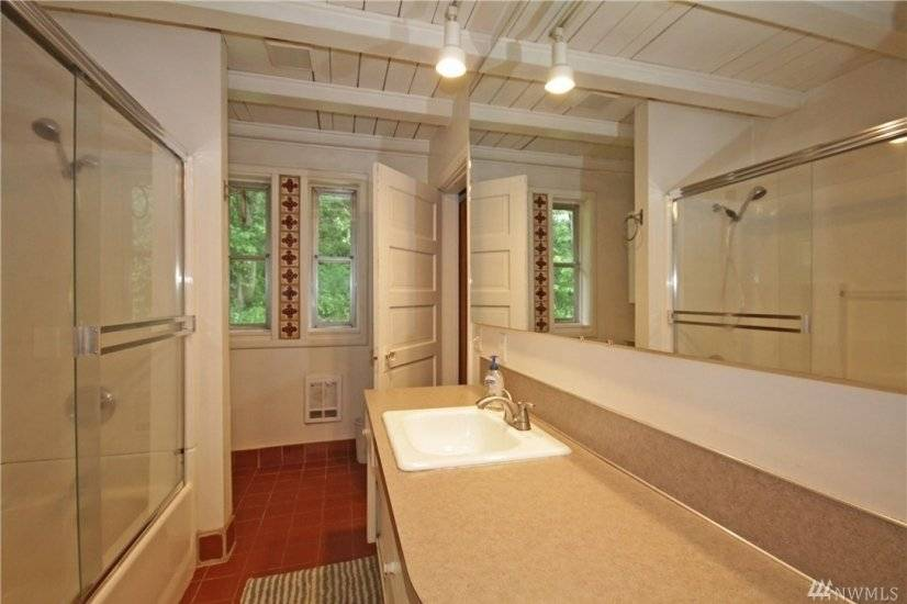 Large Bathroom with access to Master Bedroom