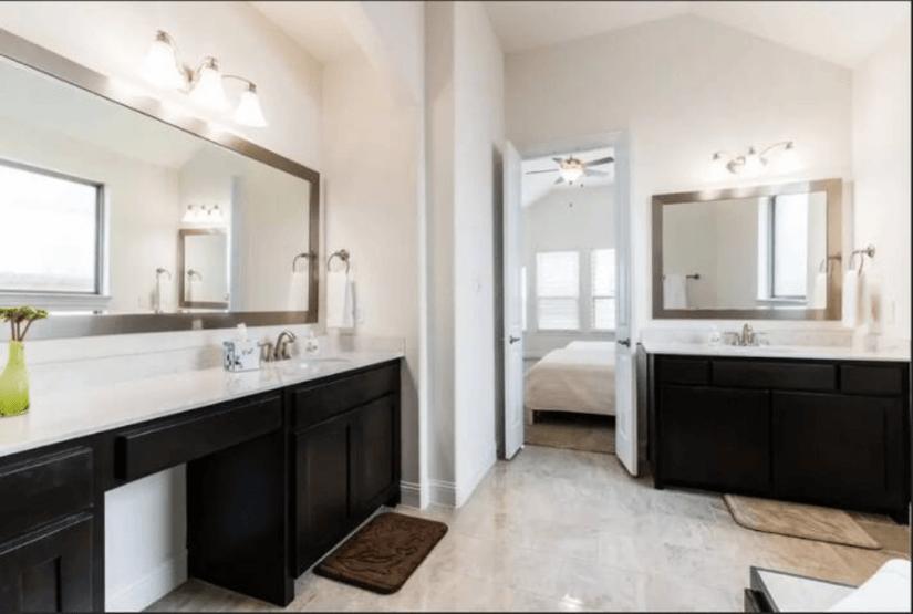 Mast bath room