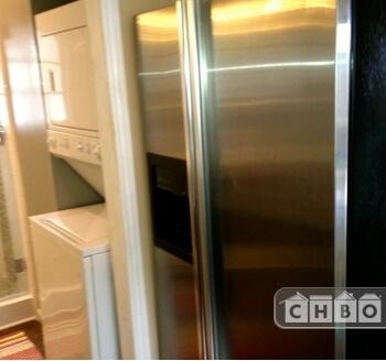 Full size modern appliances.