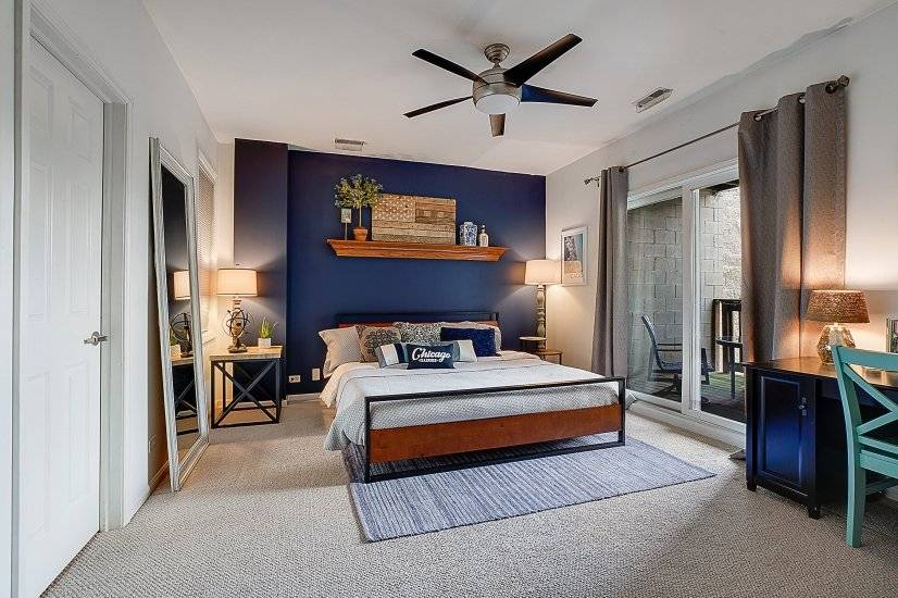 Master Bedroom - 3 closets & en suite bathroom - Unit 3