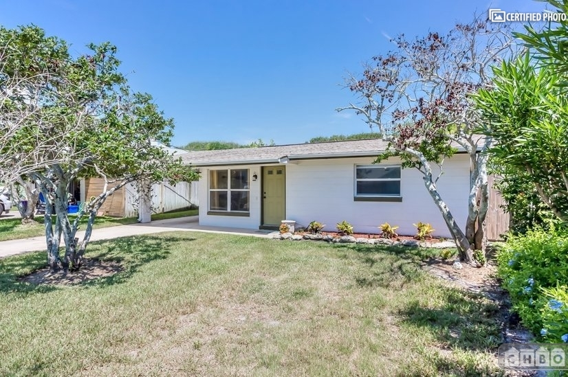 image 2 furnished 2 bedroom House for rent in New Smyrna Beach, Volusia County