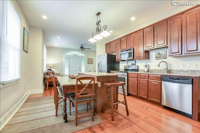 Eat in Kitchen with ample counter space.